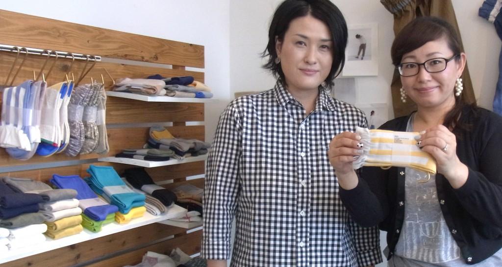 ディレクターの中村美穂さん(左)と